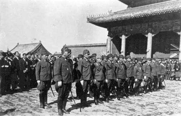 悲壮抗战遗言:中国学生兵死前刻下20个字,日军敬佩带回日本供奉