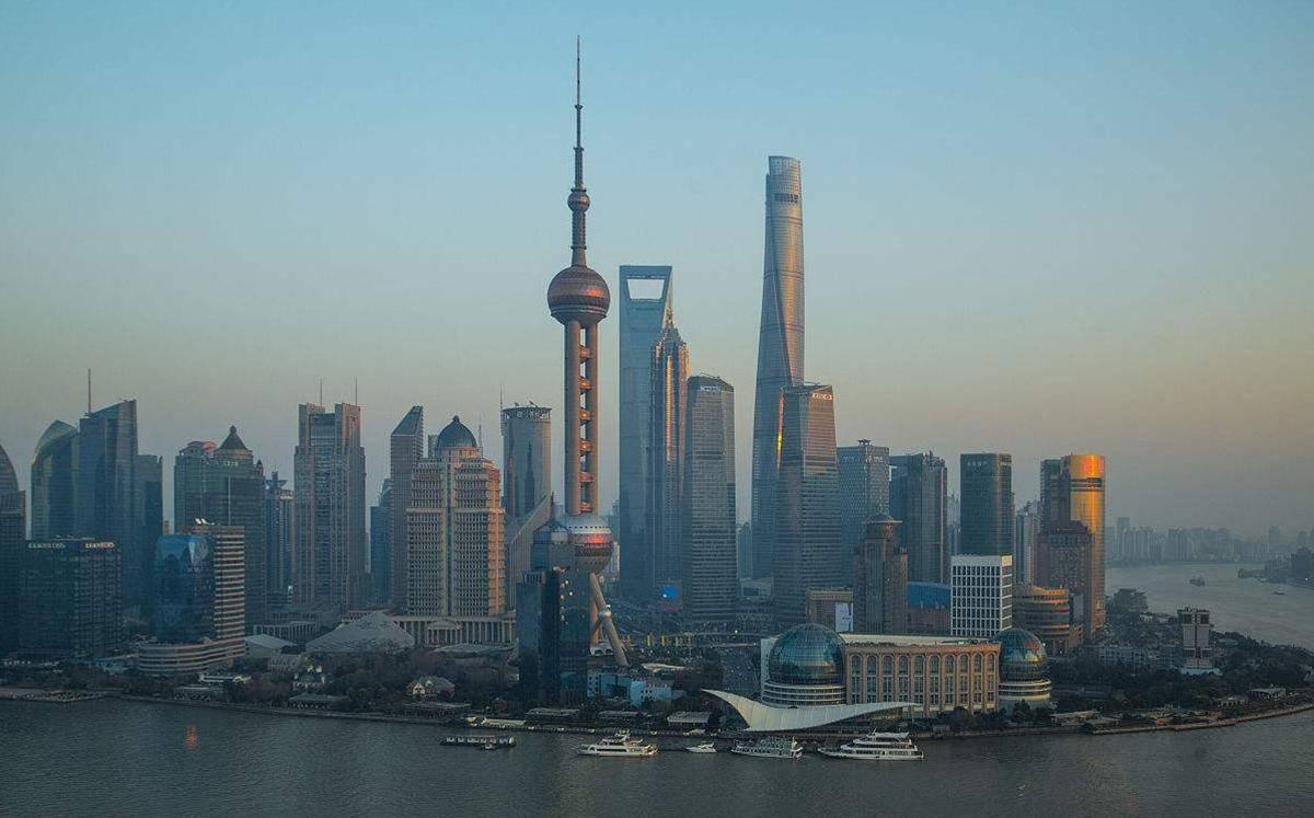 1988年纽约的GDP总和,比上海高3620亿美金,如今是多少呢?