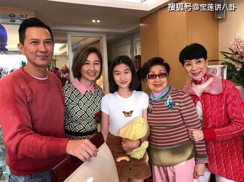 她曾经是TVB的负责人。当