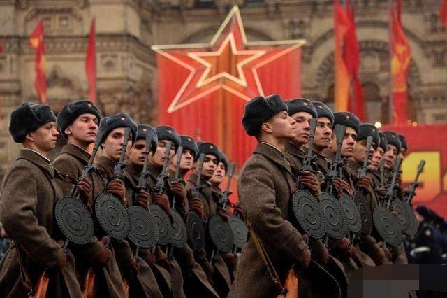 二战中苏军这样庞大规模的兵员是怎样征集来的?