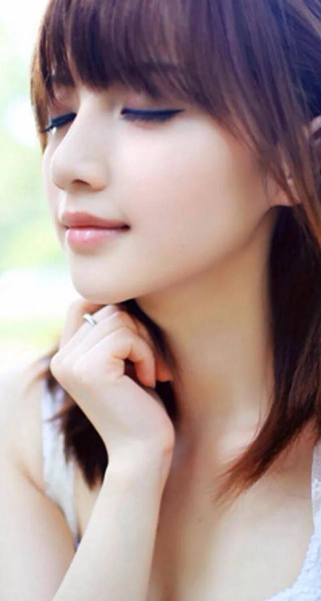 当一个女人发自内心地喜欢你时,她会用这些问题来考验你。 梦见打女人