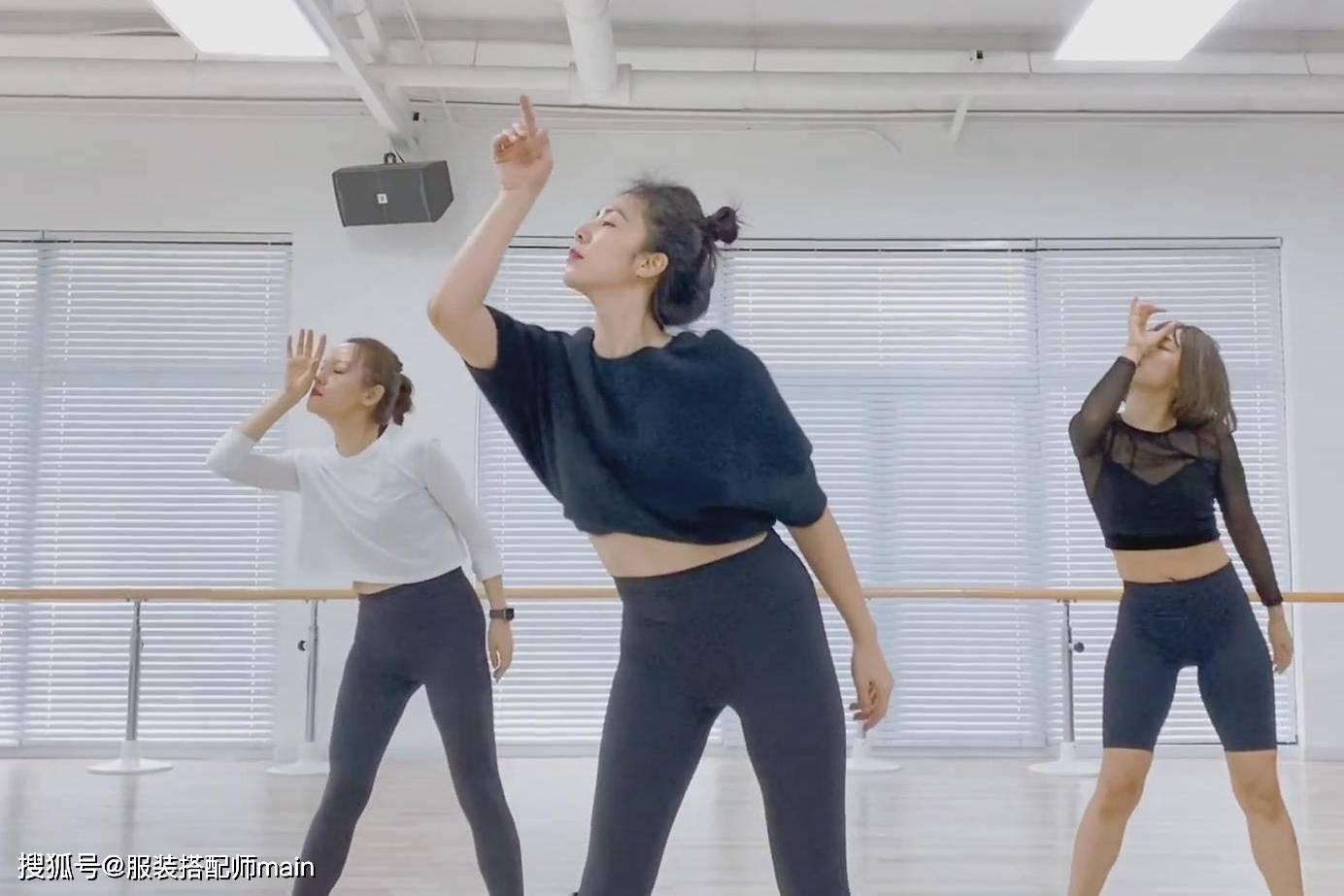 43岁孙莉生活太自律,跳舞保持18岁少女身材,简单打扮气质更高级