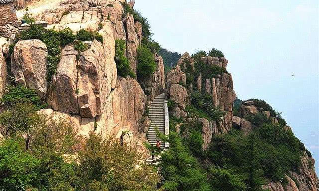 """中国人都说""""三山五岳""""那么三山到底是指哪里"""