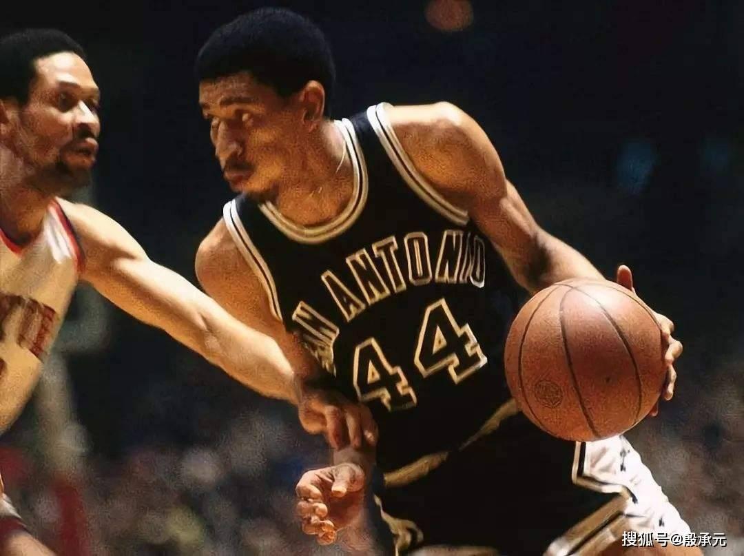 原创             湖人大胜开拓者上半场就得到80分,在NBA历史上排第几