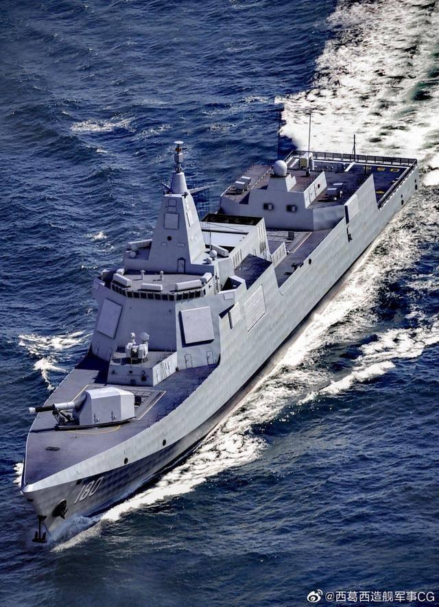 8月,中国水师收获满满,第八艘055下水,