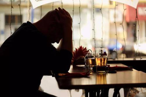 40岁以上的失业人员越来越多,问题出在哪?四个因素不容忽视!