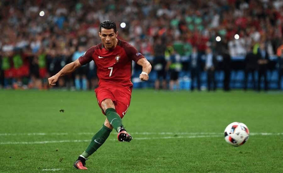 C罗右脚脚趾感染缺席练习,雷纳托-桑切斯因伤