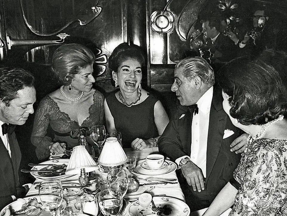 """原创             他曾是世界上首富,娶肯尼迪遗孀,后代却中了""""家族诅咒"""""""