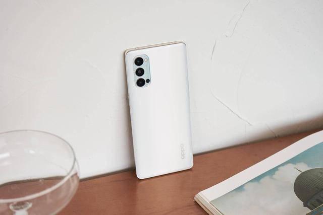 手机用久了会变卡?骁龙765G实测,效果出