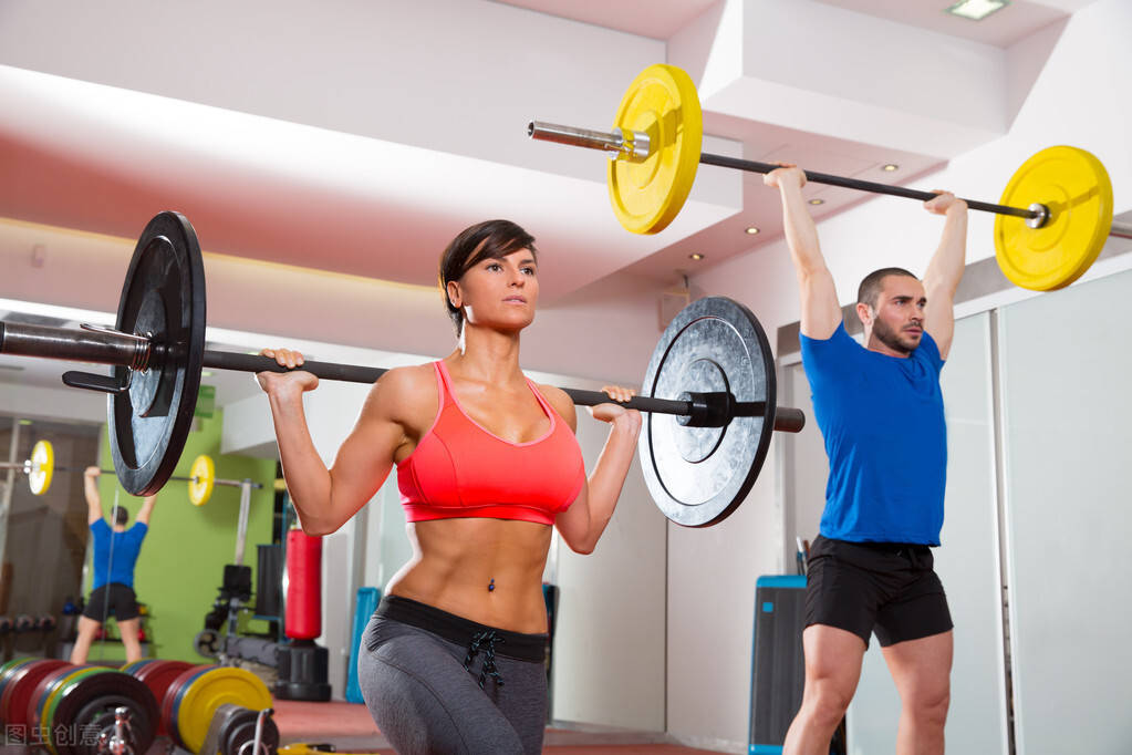 长期健身的人,与不健身的人对比,二者有何不同?