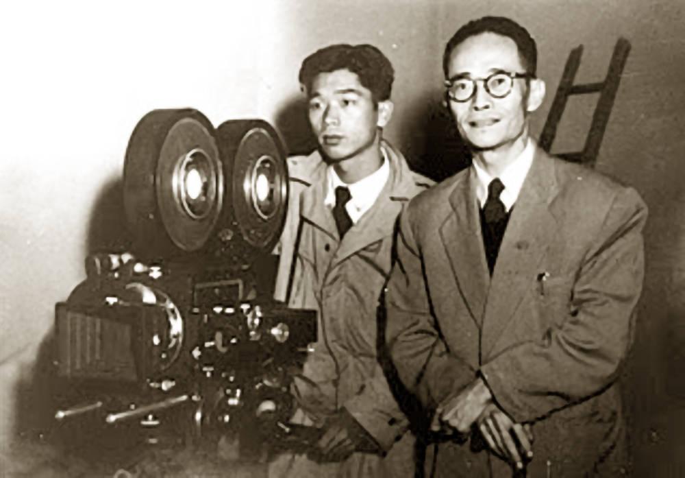 那一年,香港电影年产量骤降至53部,就连王晶也转战电视剧。