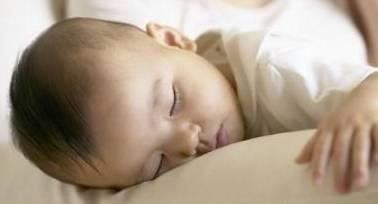宝宝这两个时间不睡觉,以后想要长高都难,不要让身高拖宝宝后腿