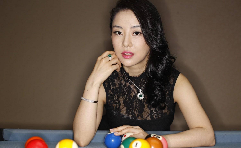 台球界最美女神,颜值身材不输潘晓婷,如今26岁仍未找到男友!
