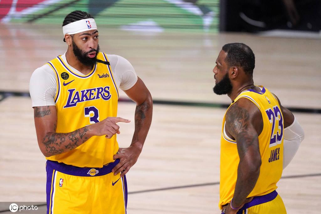篮球排名_沃格尔:詹姆斯和浓眉继续接受治疗 均可出战G5