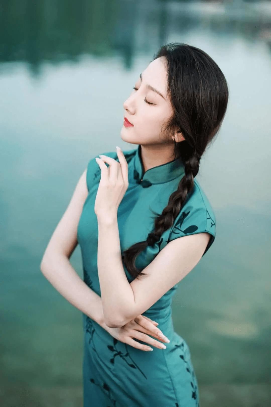 中年女人如何拍出知性美 7个姿势要领会,拍出自然气质图片