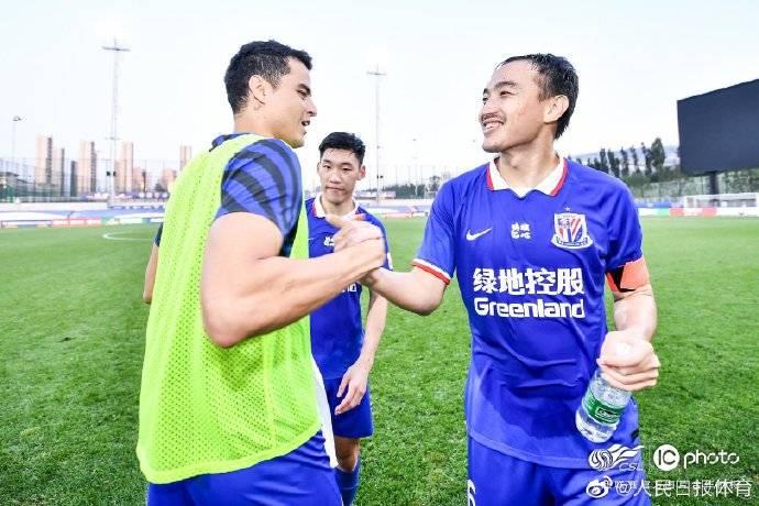 人民日报体育:申花进争冠组归功于引援7场零封8个赛季未见
