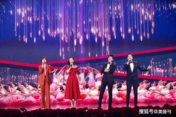 38岁王鸥气质真好,国庆晚会穿大红裙,身材绝美气质艳而不俗_大红色