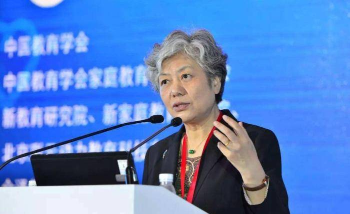 李玫瑾教授告诉你:当孩子犯错时不要大喊