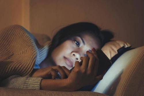 长期11点后睡觉,身体出现5种表现的人,即便有一个也要早点睡