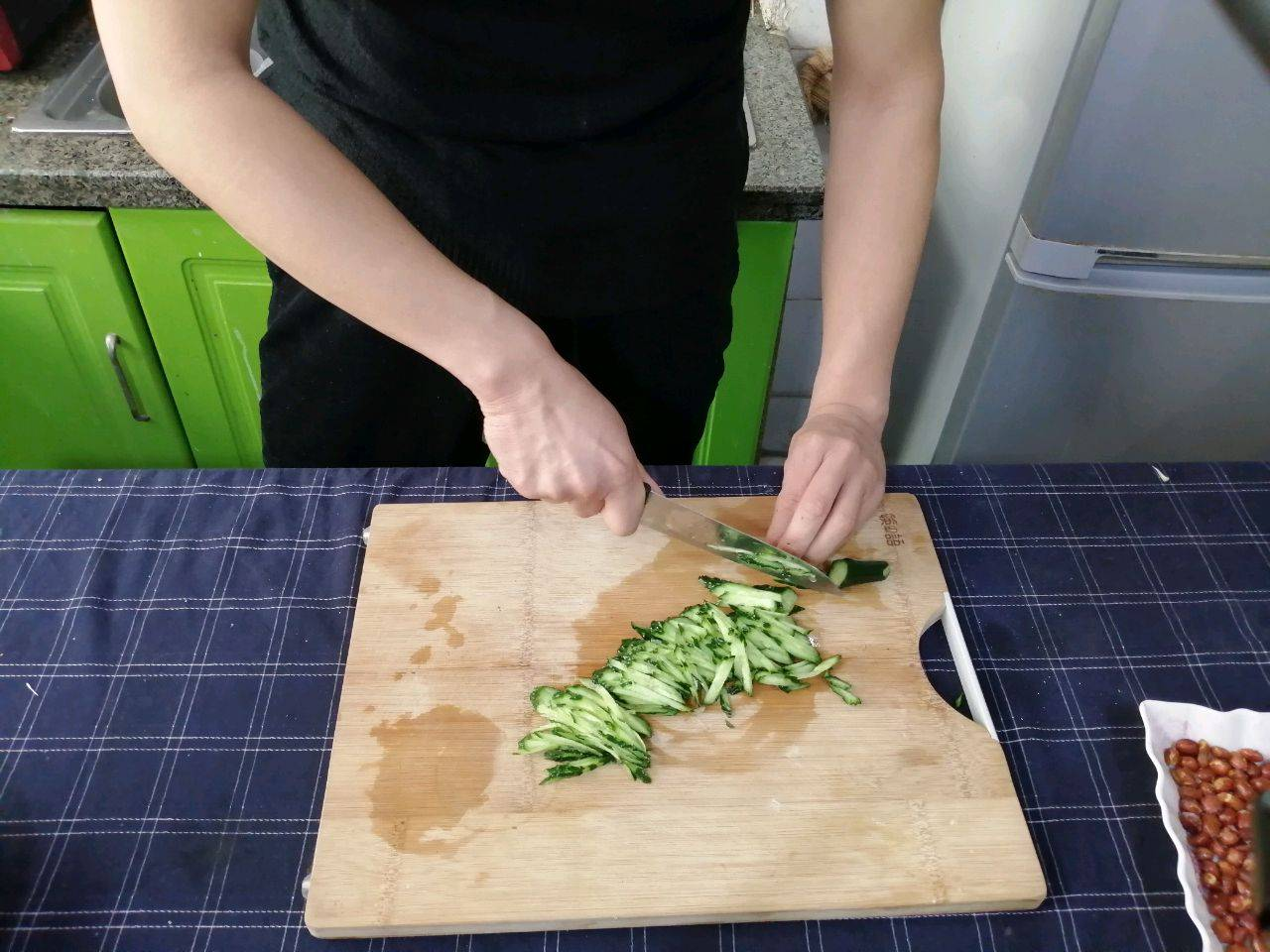 【麻辣凉拌面】的做法+配方,劲道又好吃,味道_携程美食林