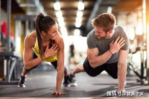 减脂期加入力量训练,提高基础代谢,让你躺着也能瘦,真这么简单?