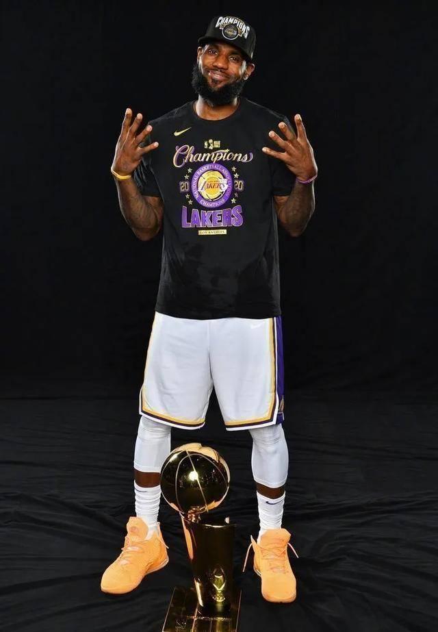 NBA球员上脚:湖人夺冠战靴,浓眉这双kobe5太帅了!