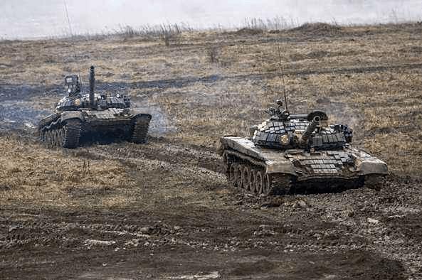 接收160辆坦克装甲车,其中100辆是翻新货,俄军战力跌落令人吃惊