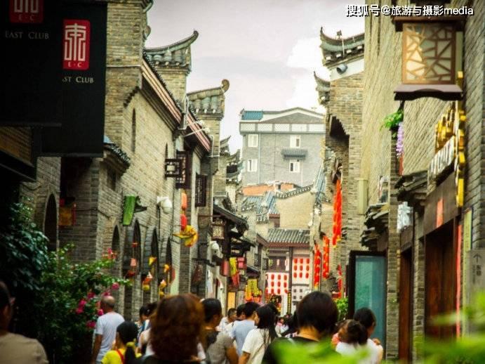 原创             广西第一古街,被当地人称为风水宝地,古代很多达官显贵居住于此