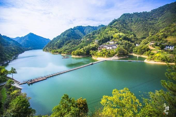 """原创             安徽徽州有一处""""黄山天池"""",风光秀丽,能免费游览,很多人没来过"""