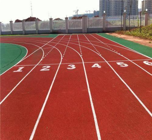 成都胶跑道厂家分享塑胶跑道的验收方法