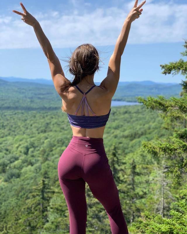 想练出女神的翘臀身材?一组臀部训练,帮你雕刻饱满翘臀