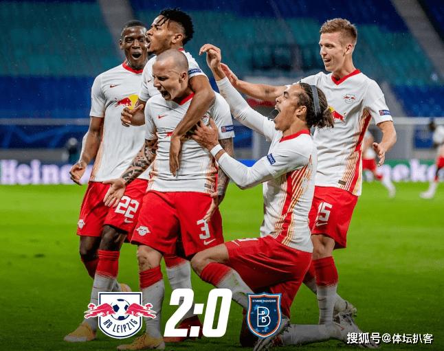 2-0!德甲领头羊4分钟终结悬念!力压曼联年夜巴黎,登顶欧冠小组第一