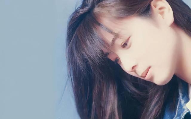 90年代日本歌手第一人,只办过一场演唱会,歌曲却被写进教科书