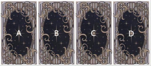 塔罗牌占卜:抽张牌看下,你下个月的感情运势吧!