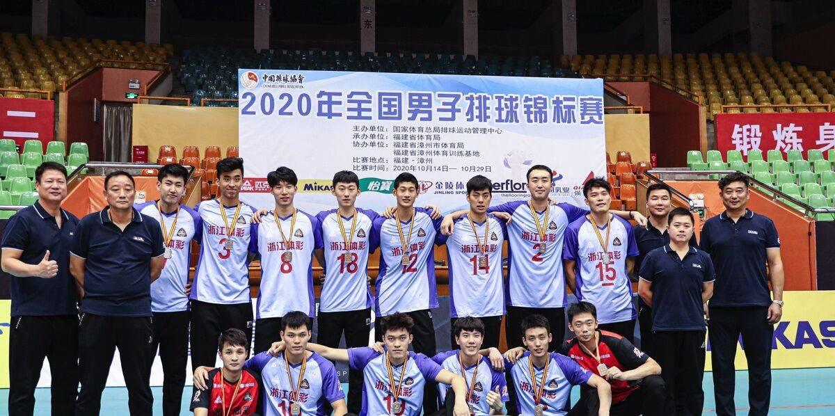 吴胜转变角色挂帅中国男排 全锦赛夺银却不满爱徒两点