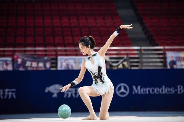 她是中国体操女神,退役后前往娱乐圈发展,曾与陈道明传过绯闻