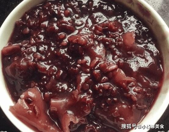 冬季,三天两头吃这粥,脸蛋白里透红,头发乌黑发亮,真漂亮!