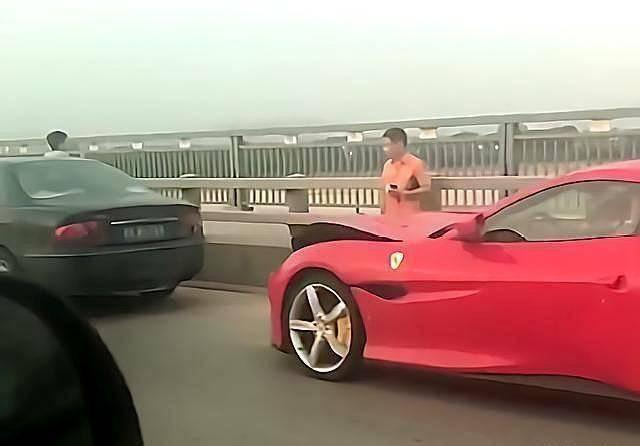 原来法拉利追别克,别克车主下车后笑了:这车你做不了