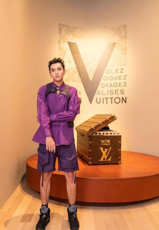 """高奢已死?LV Dior们自降身价上线""""土味""""视频?小镇青年赢了吗?"""