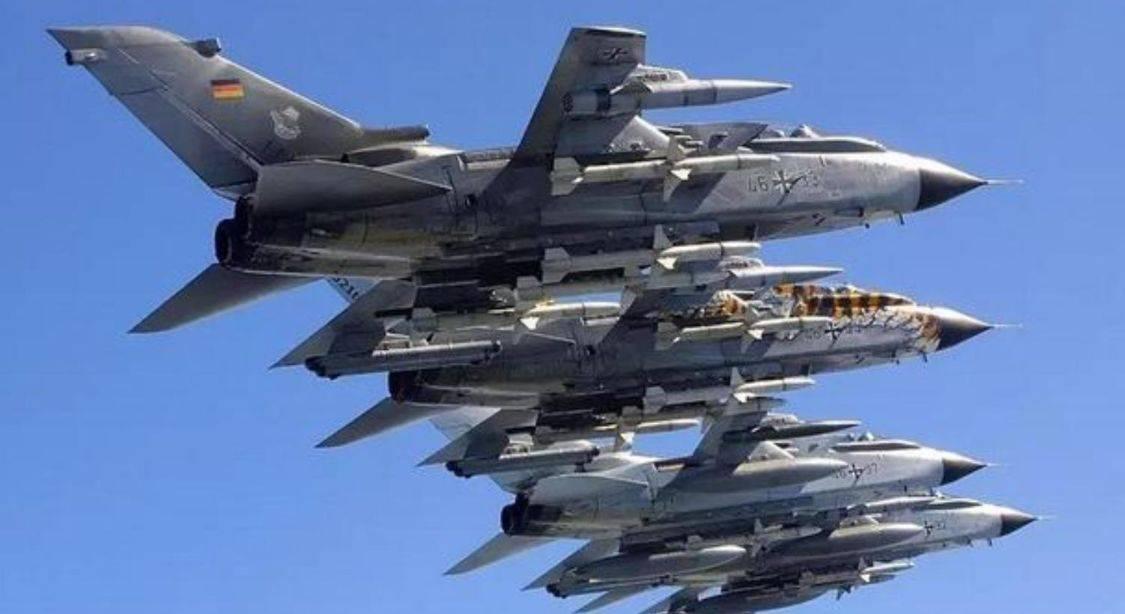 刚对美国表忠心的德国,转身就捅美国一刀,拒绝购买F-35战机