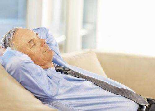 中午休息好,身体棒?以下此类人最好不要午休,不然后悔也来不及