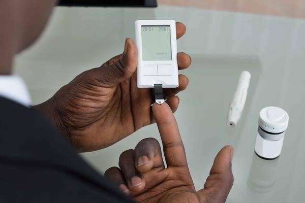 查出糖尿病别慌!3种食物经常吃,激活体内胰岛素,血糖慢慢降到正常值