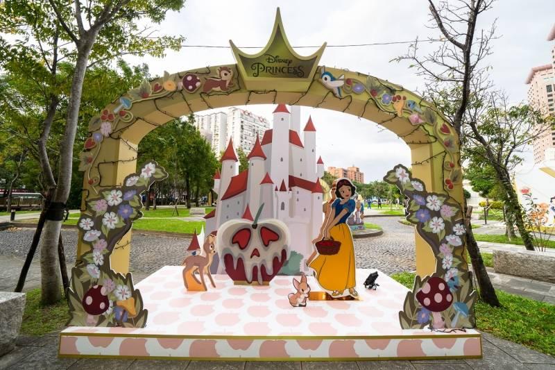 2020 年全台 3 大圣诞打卡景点懒人包,巨型戽斗恐龙、迪斯尼公主等你来踩点!