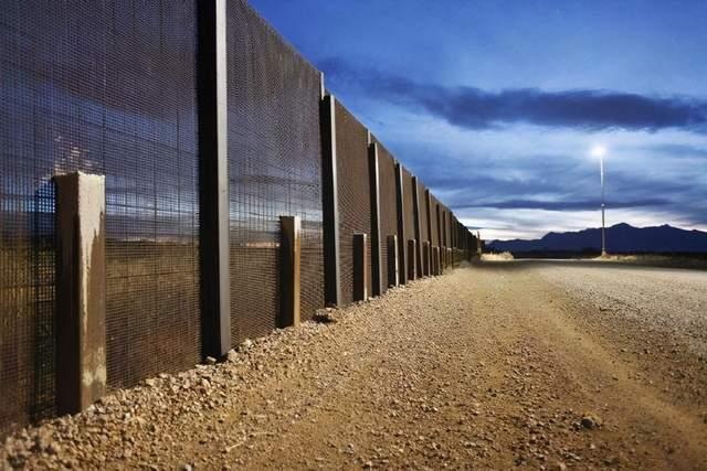 美国曾经吞并大片墨西哥领土,现在墨西哥人成了问题,只能修长城