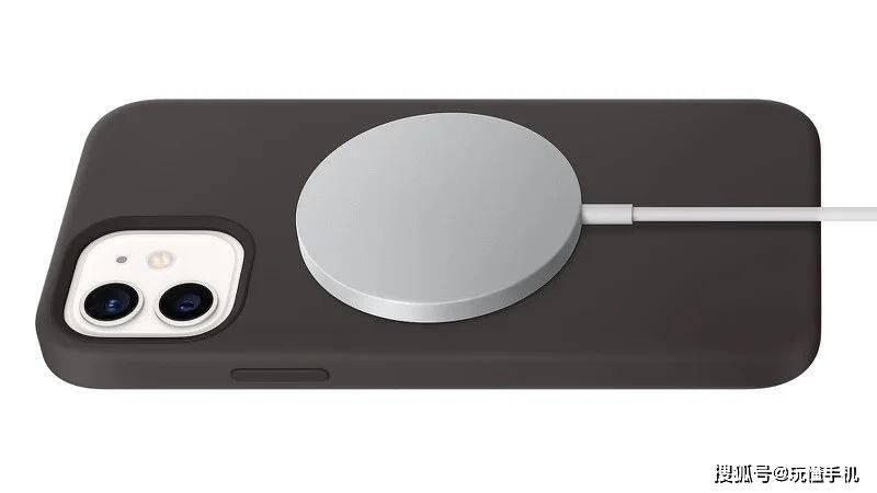 原创            传iPhone 13系列中至少有一款采用无孔设计,只能无线充电