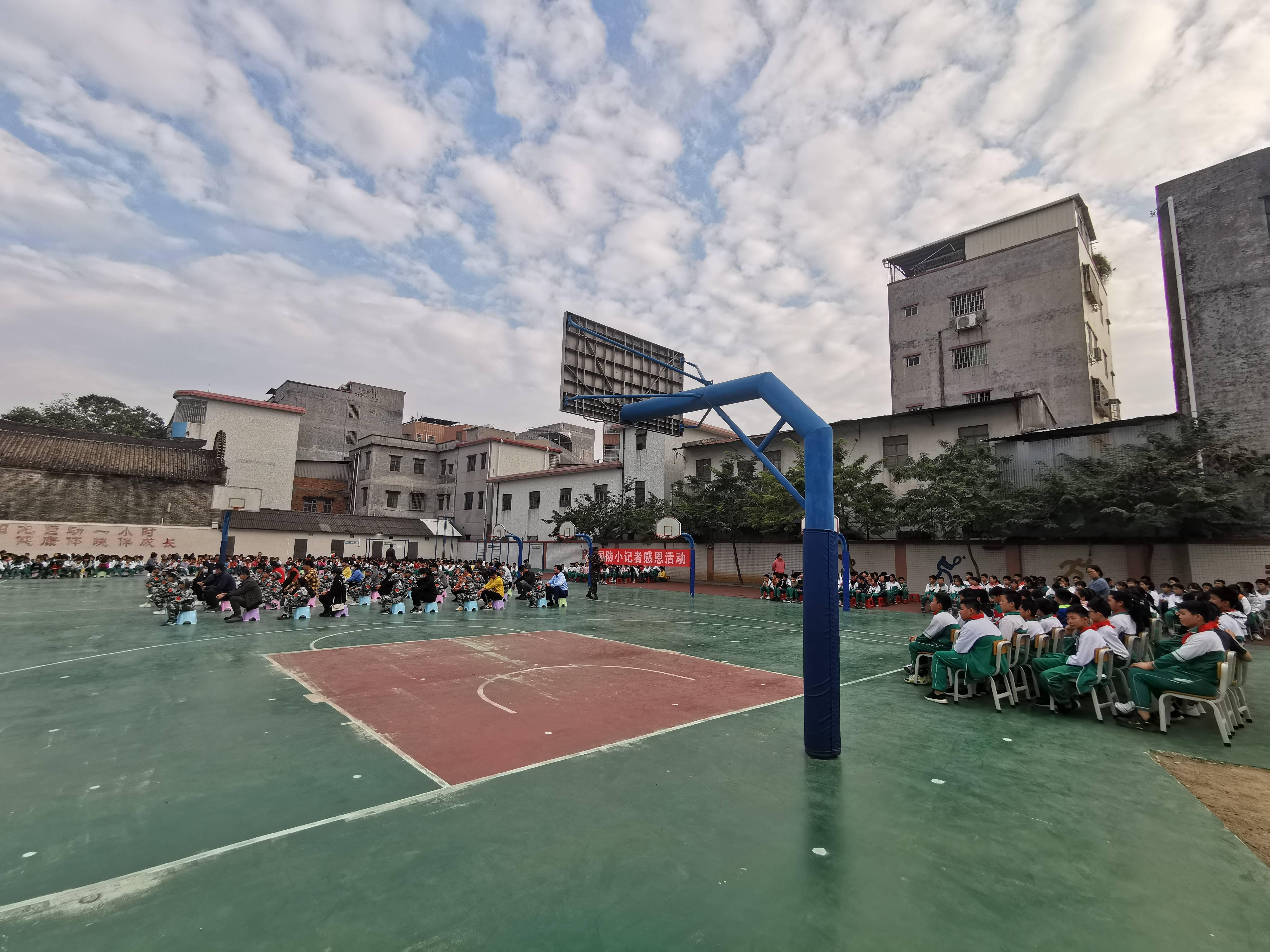 国防小记者感恩活动在广州白沙校进行(图6)