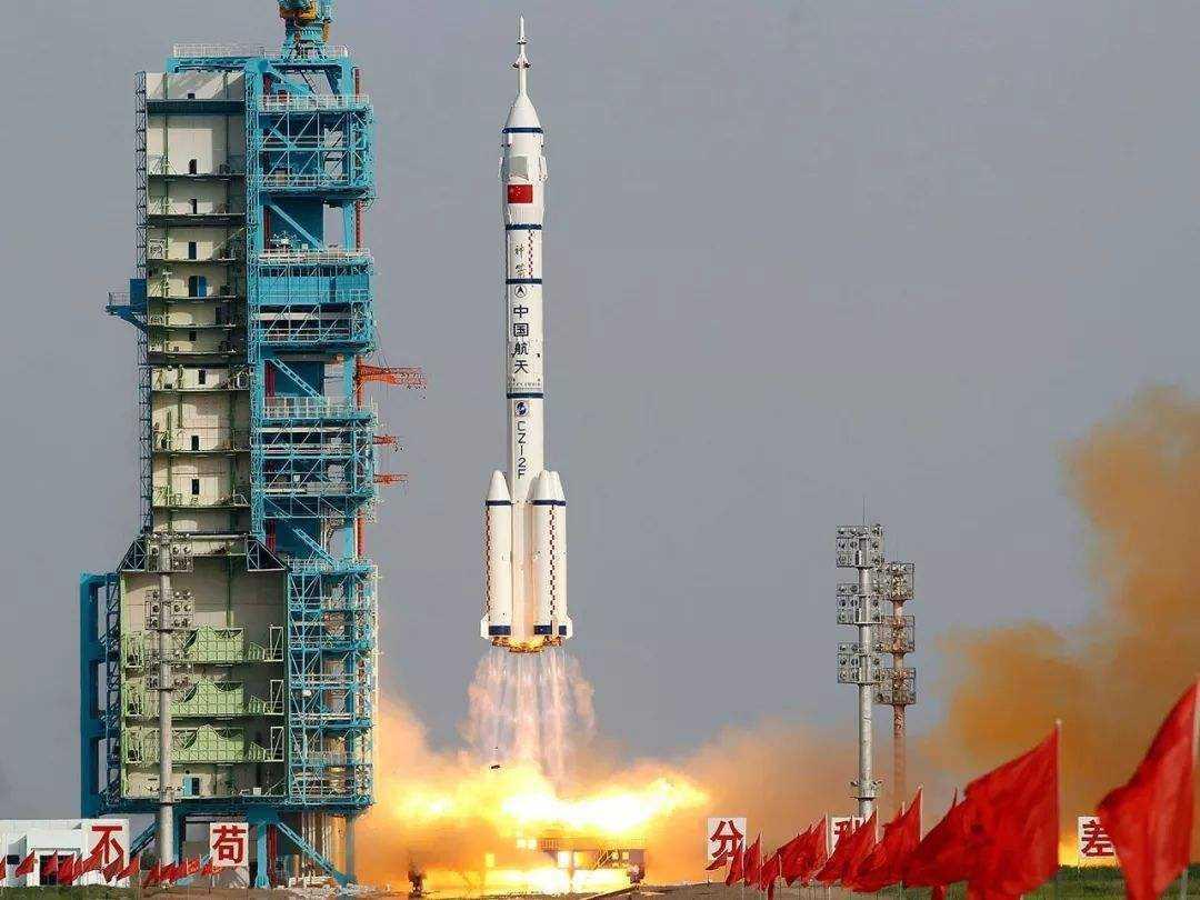 中国向世界诠释完美 俄专家盛赞嫦五超越美国 成绩真的太好了