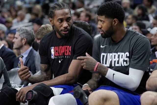 NBA新一轮的常规赛照常举行,虽然球员们仍是需要在关闭园区比赛