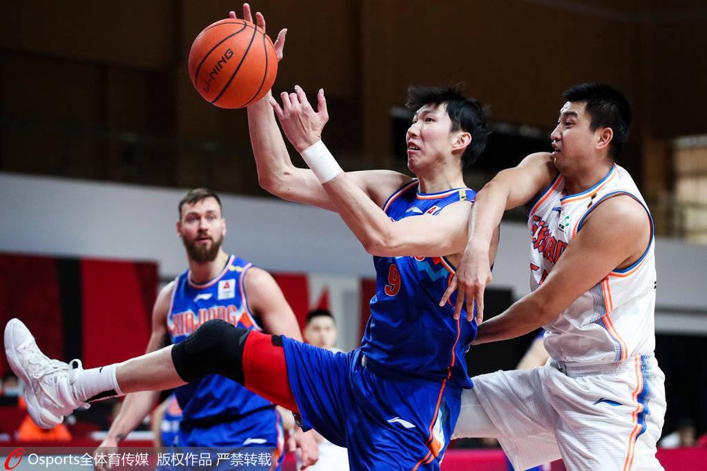 新疆男篮以103-98打败四川男篮,收获6连胜