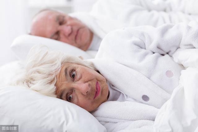 人越老觉越少!这3种行为会进一步减少睡眠,想长寿,请尽早远离